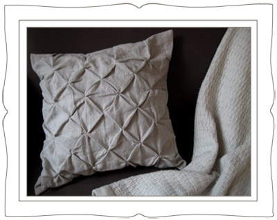 kissing-pleat-pillow-small.jpg
