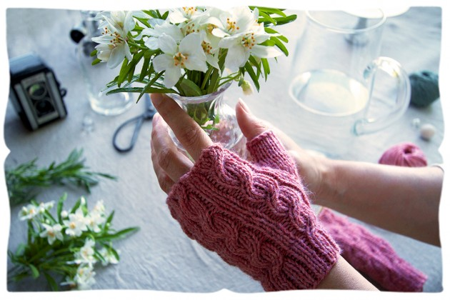 short & sweet heather pink handwarmer kit